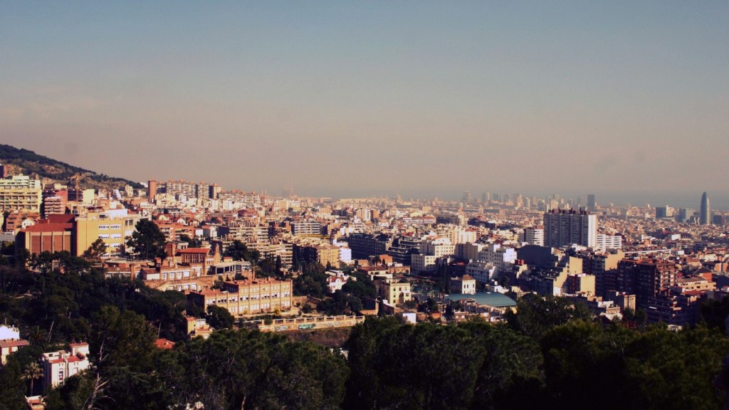 Spain-Barcelona-City-900x1600