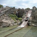 Аттракцион Tutuki Splash в Полинезии в парке Порт Авентура, Салоу