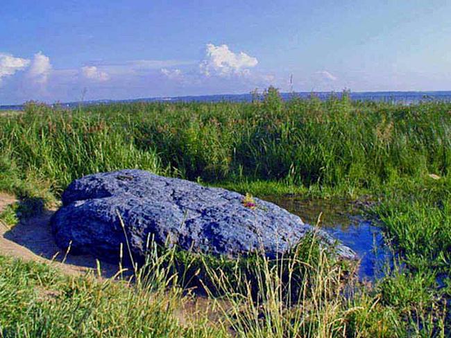 плещеево озеро синий камень