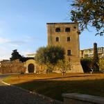 Старая башня Торре Велья в Салоу